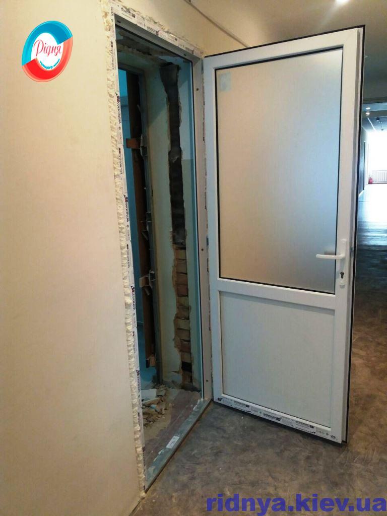 Міжкімнатні металопластикові двері - фото компанії Рідня