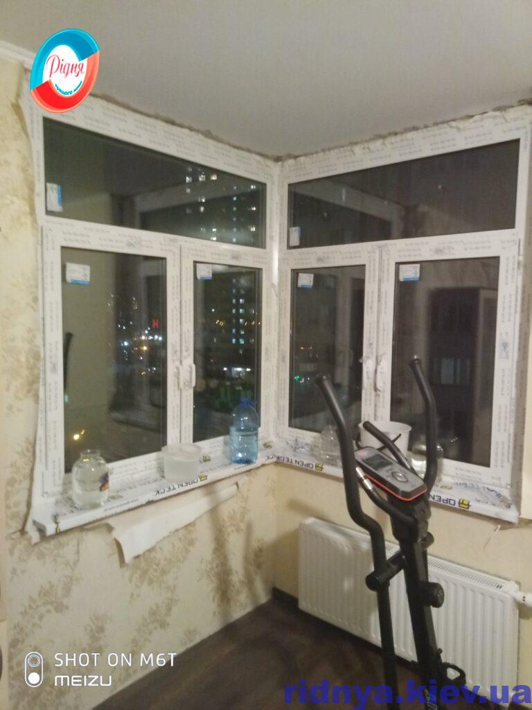 Пластиковые окна Rehau на эркере фото ™РИДНЯ