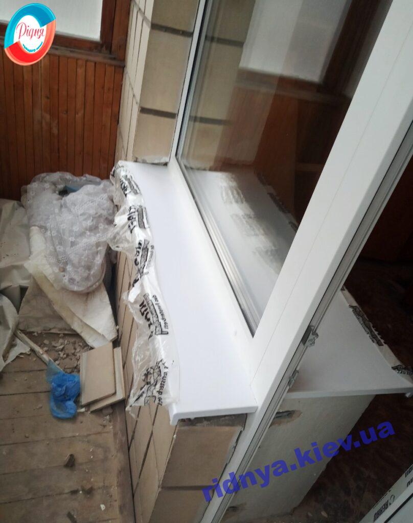 Балконный блок с подоконниками KRAFT фото работы 15 бригады